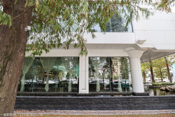《台中.西屯》PWF琴.森林主題餐廳|白色鋼琴造型隱藏在落羽松森林裡