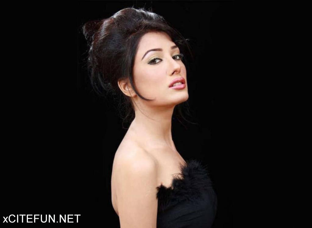 Mehwish Hayat Hd Wallpaper Pakistani Actress The Fashion Maza