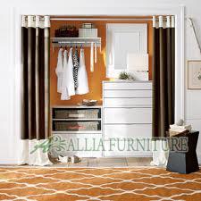 desain lemari tanam model pintu gorden