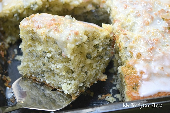 Lemon Basil Cake: Use a vanilla cake mix, and this cake comes together in 5 minutes!    Ms. Toody Goo Shoes