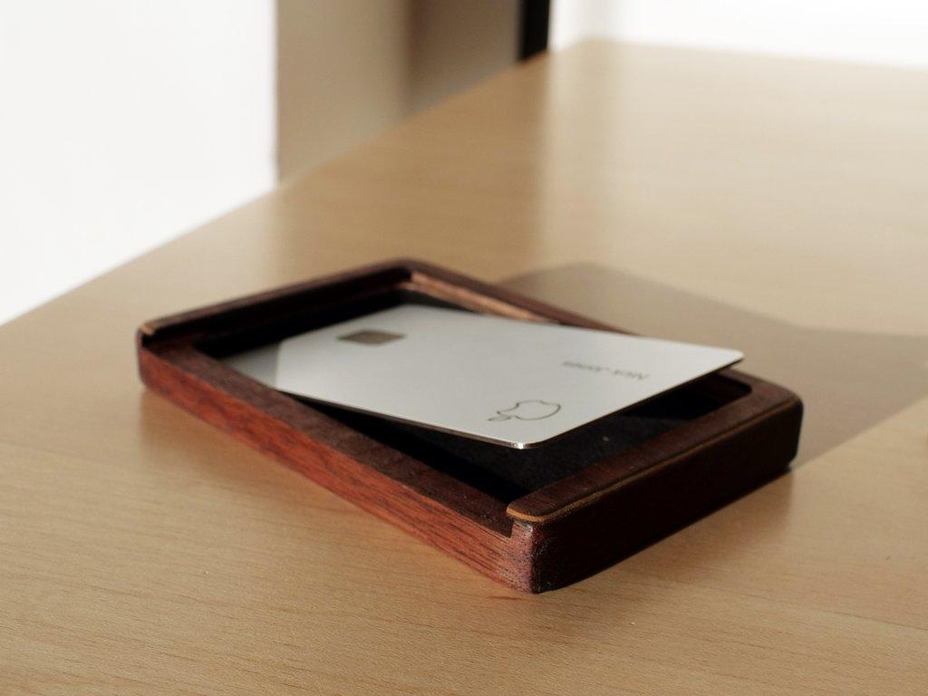 Apple Card wooden case