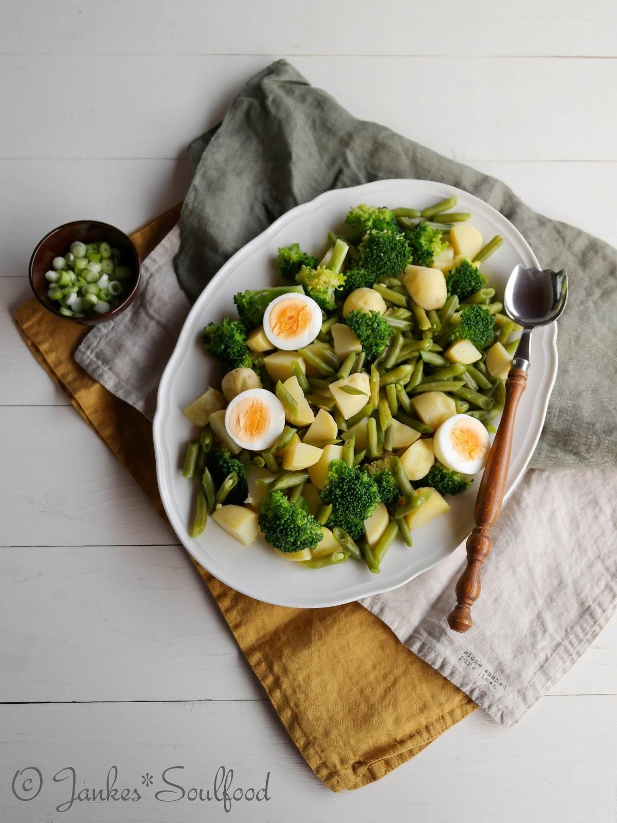 Grüner Kartoffelsalat mit Bohnen und Brokkoli