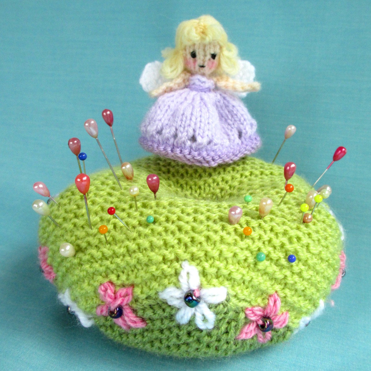 051931a63a9d Flutterby Patch  FREE PATTERN - Fairy and pin cushion