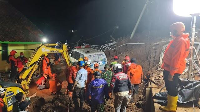 Tim SAR Kembali Temukan Korban Longsor di Kecamatan Cimanggung-Sumedang