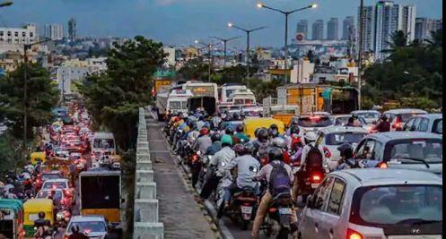 """Bengaluru : बेंगलुरु में 3,000 से अधिक COVID-19 मरीजों को """"बिना रोक-टोक"""" के बीच में भारी स्पाइक"""