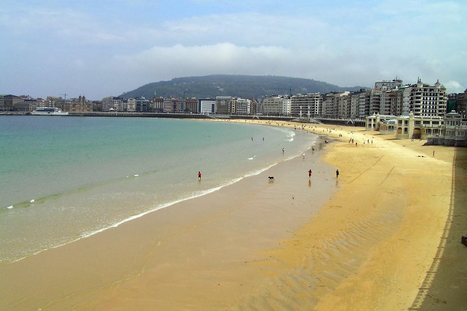 Las playas de Ondarreta y La Concha.