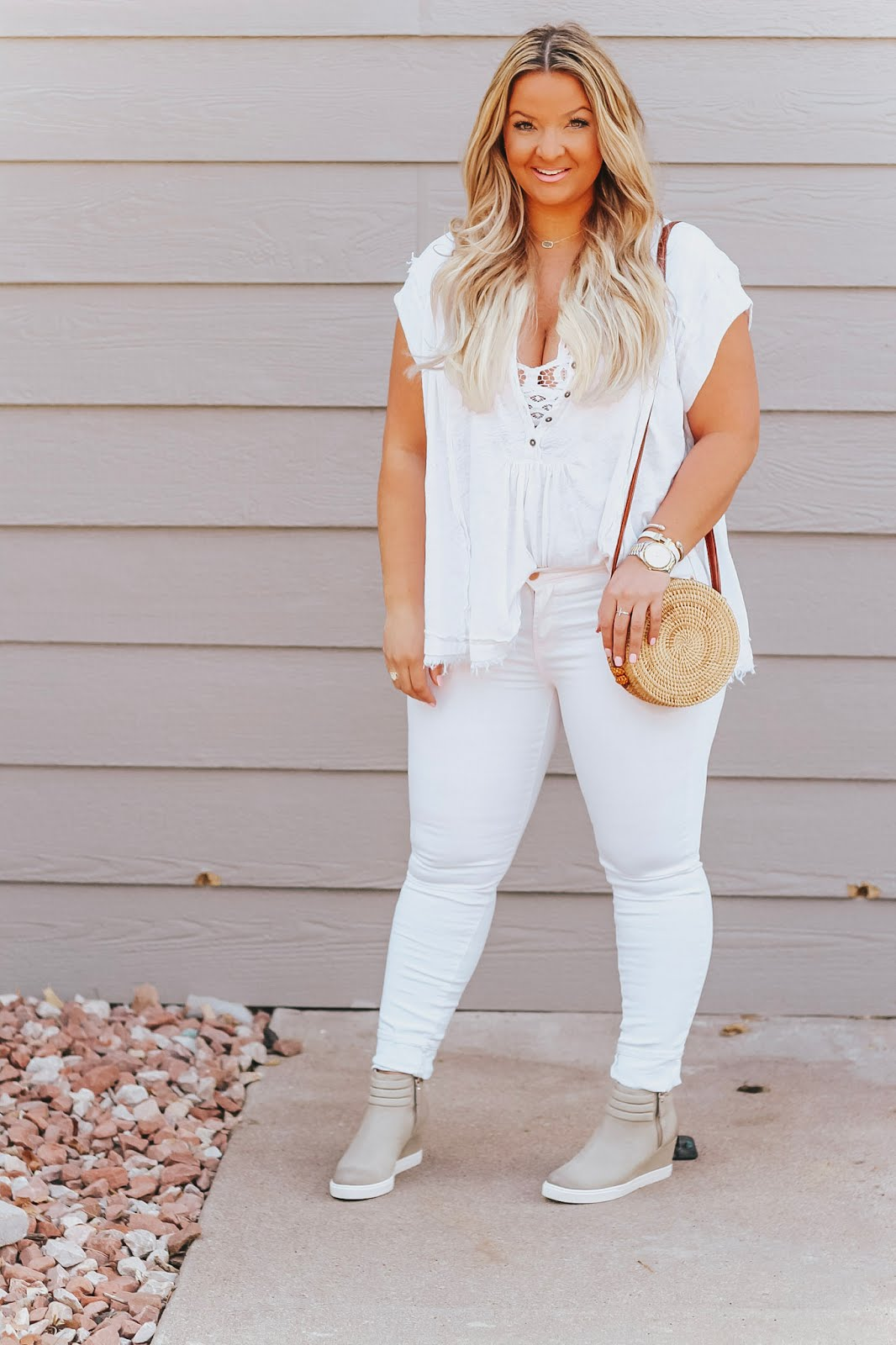 All White Outfit  styled by popular Denver fashion blogger, Delayna Denaye