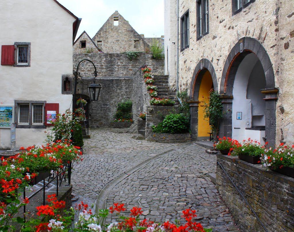 burresheim castle Inside