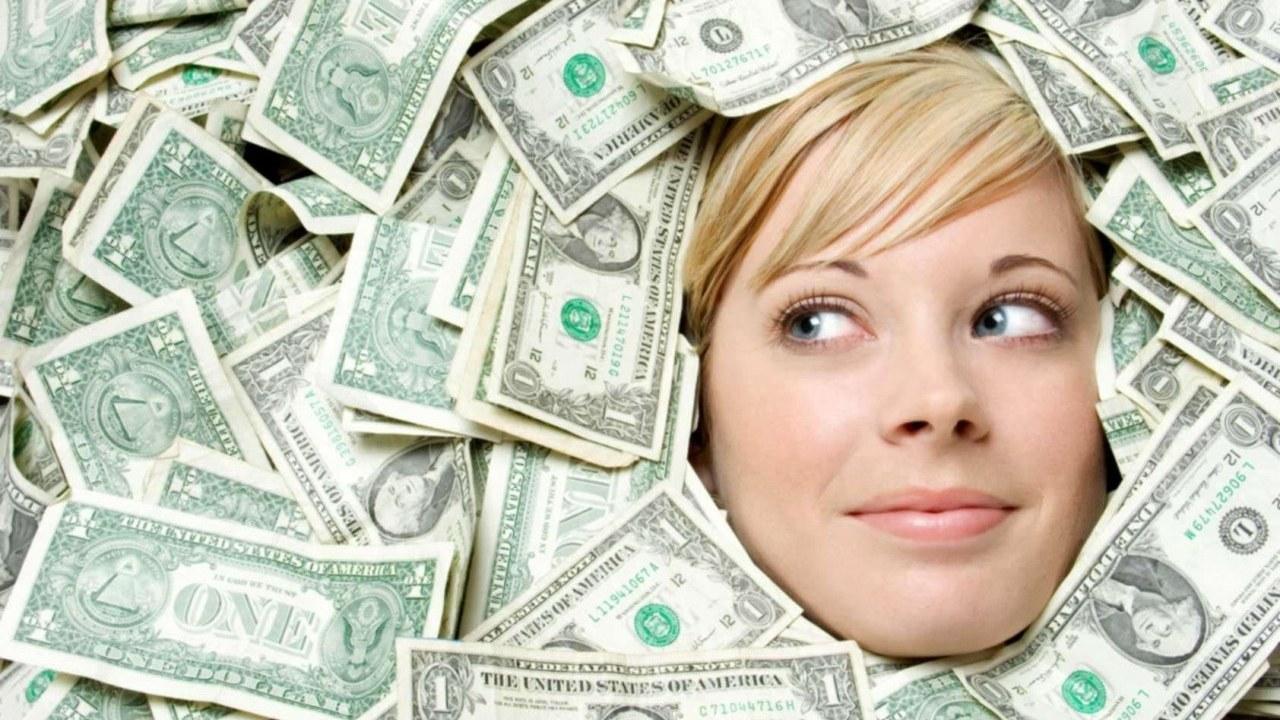 Rüyada Yerden Bozuk Para Toplamak Görmek Neye İşarettir