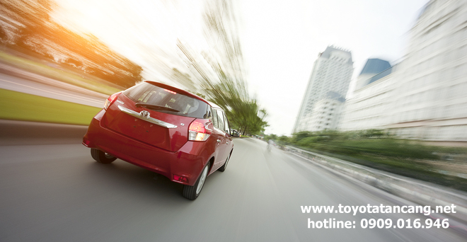 """toyota yaris 2015 toyota tan cang 15 -  - Giá xe Toyota Yaris 2015 nhập khẩu - """"Quả bom tấn"""" của dòng Hatchback"""