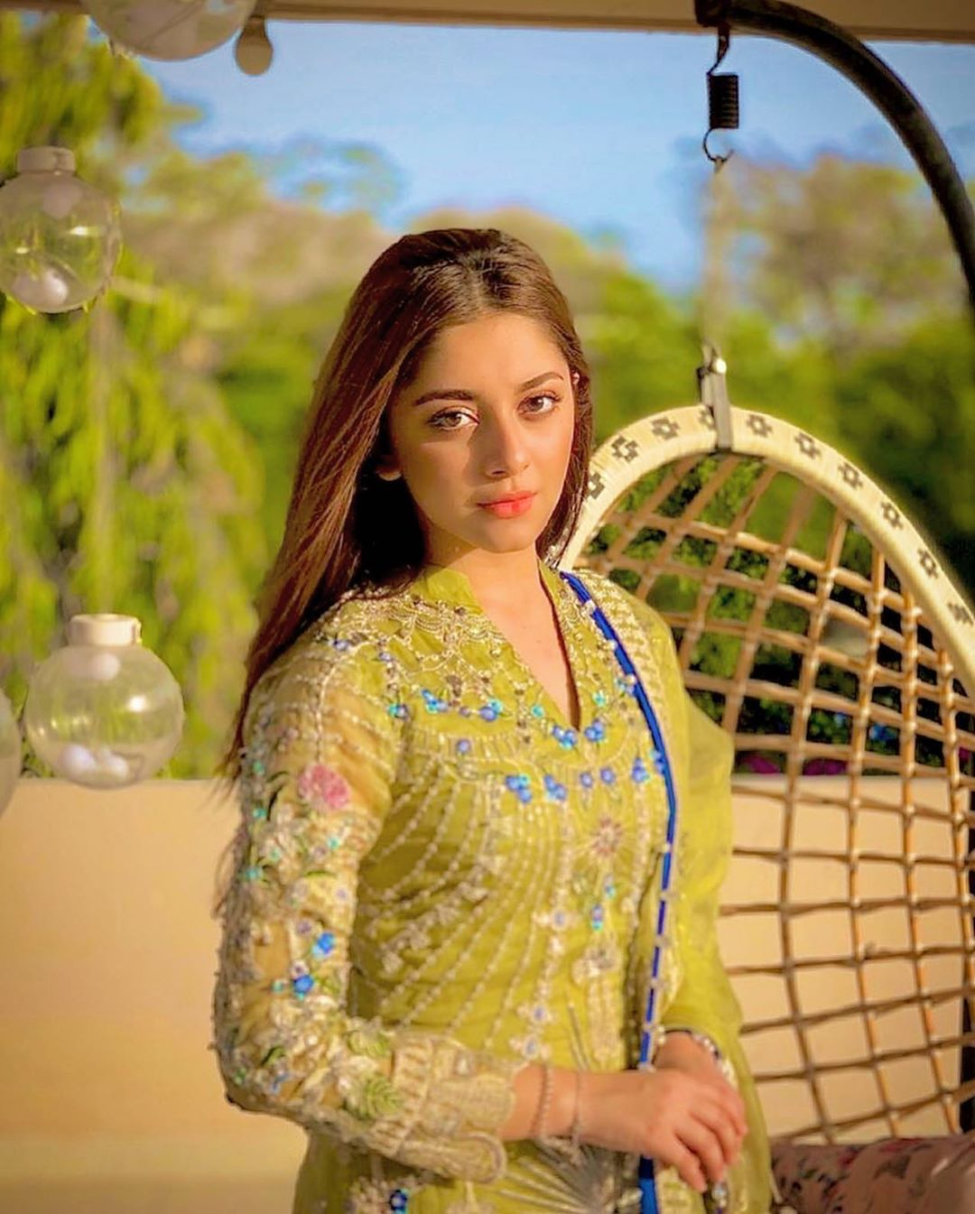 Alizeh Shah Pictures HD
