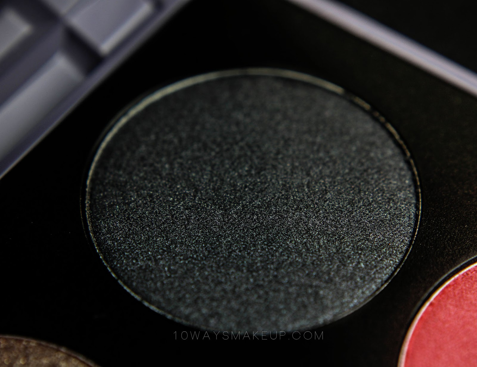 Neve Neogothic Melusine swatch review