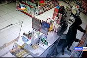 Pembobolan Alfamart Di Tepi Jalur Pantura Lamongan Terekam CCTV