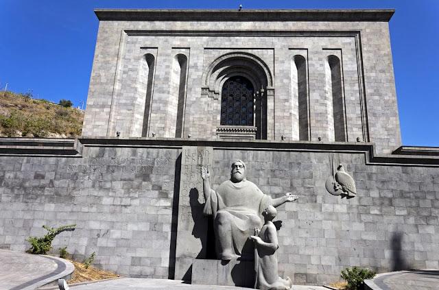 Expertos de Armenia restaurarán manuscritos dañados de Medio Oriente