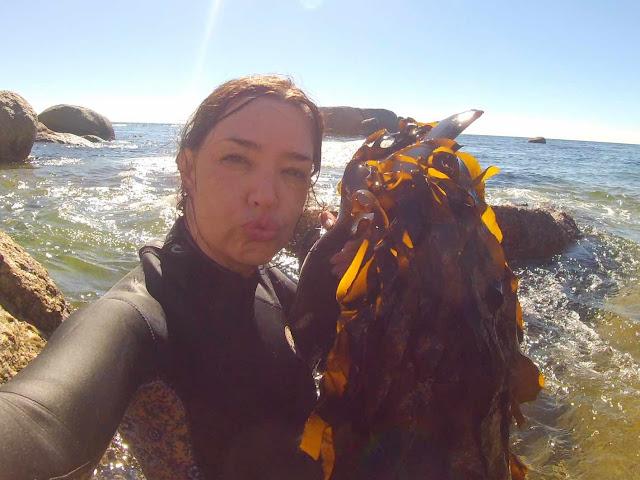 Glamorous kelp selfie