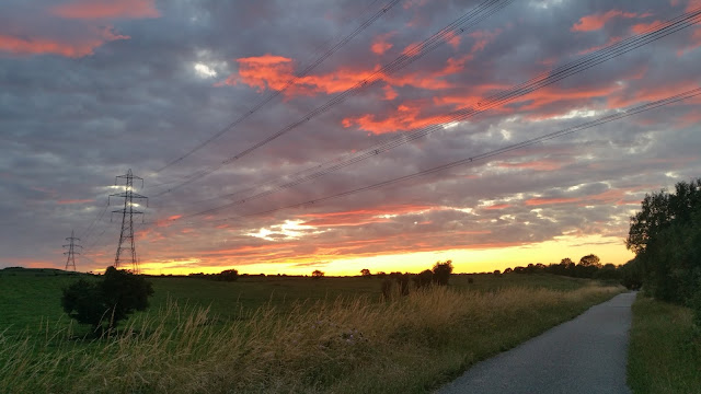 Yorkshire sunset, sunset, sundown, Yorkshire, England, cycling, get out more, countryside,