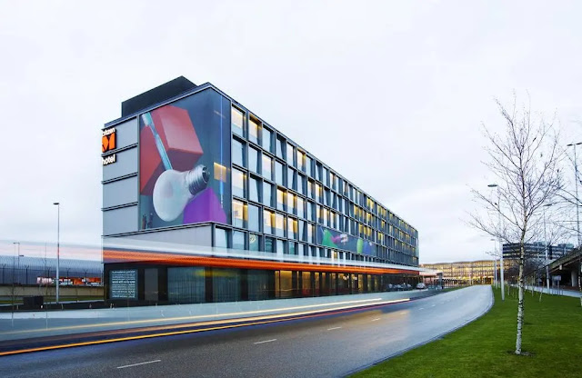 citizenM Schiphol Airport Hotel review