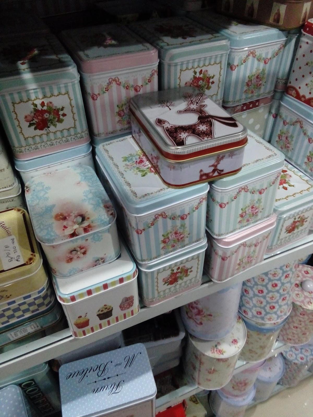 kontainer klasik chic gambar bunga Jolie Jogja Wirobrajan