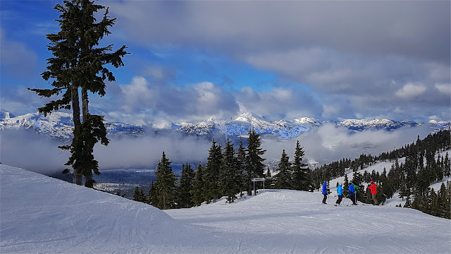 A view from the top of a Mt Washington ski run...
