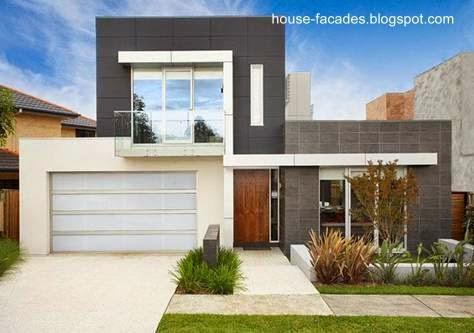 Fachada a la calle de una casa urbana contemporánea