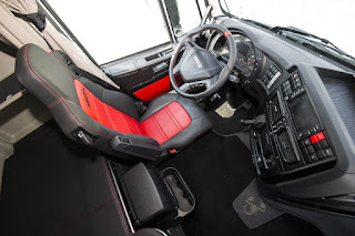 Iveco Stralis 570XP Abarth (2017) Interior