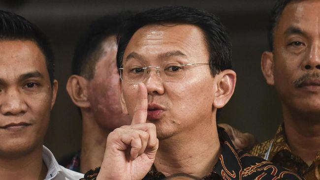 Para Pendukung Anis Menantikan Kedatangan Ahok Jadi Gubernur DKI Jakarta