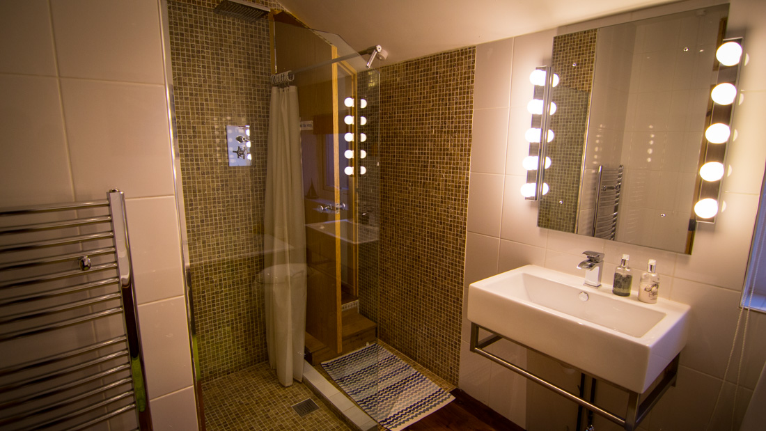 Luxurious en-suite bathroom, Langland B&B Swansea