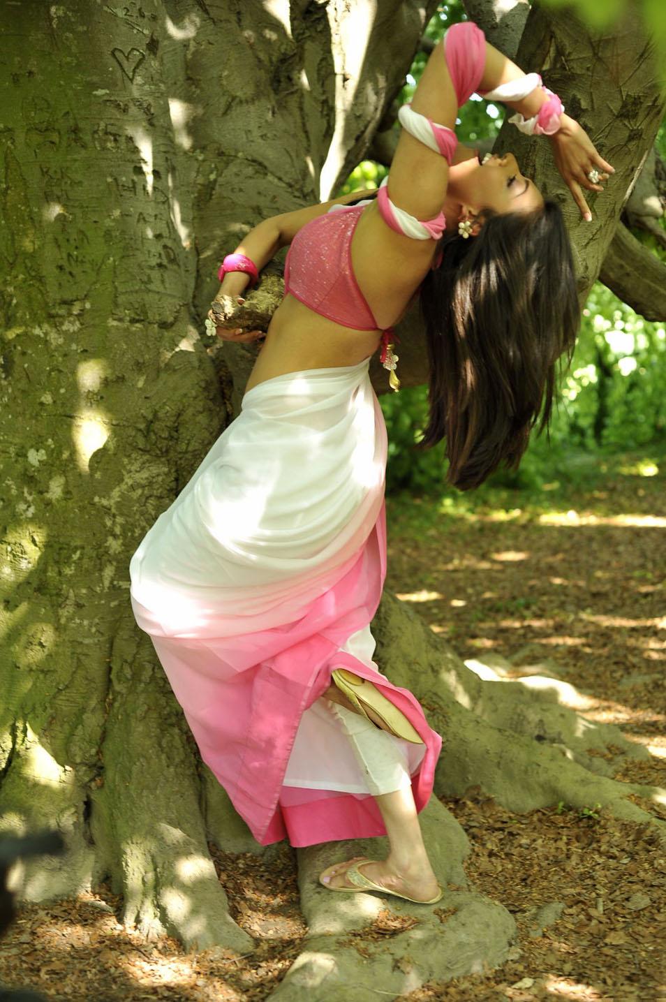 Indian Movie Actress Kajal Agarwal Hot Navel Show In -2987