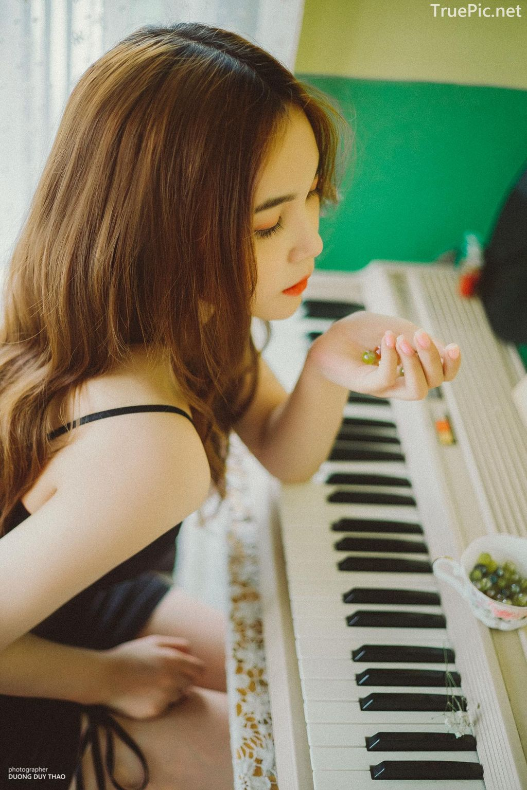 Vietnamese cute model - Nguyen Yen Nhi - One day practicing piano - Picture 4