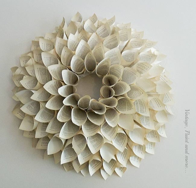 Vintage, Paint and more... a wreath made from old vintage book pages