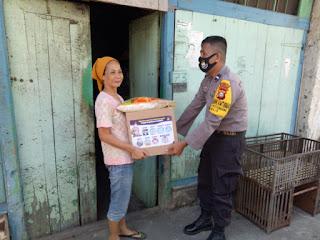 Polsek Wajo Distribusikan Bansos Kapolres Kepada Warga Kelurahan Pattunuang