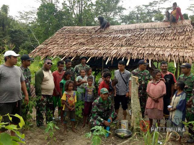 Peduli Bencana Kelaparan Pada Suku Mausu Ane, Kodam Pattimura Berikan Bantuan