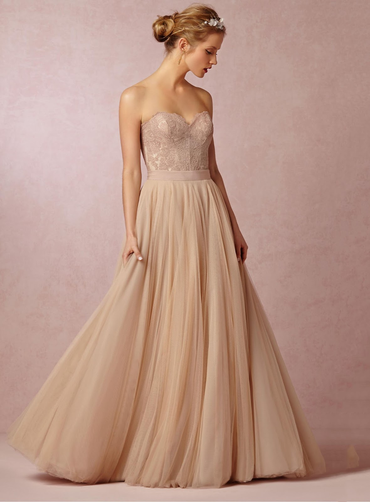 Vogue Simple/Charming A-Line Floor-Length Sweetheart Tulle Wedding Dress With Lace Ripon