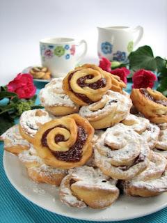 rozyczki, ciasteczka kruche, z dzemem, swieta, moje wypieki, smaczna pyza, najsmaczniejsze