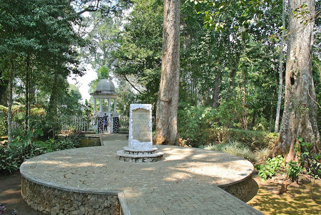 wisata sejarah ke makam boscha pangalengan bandung