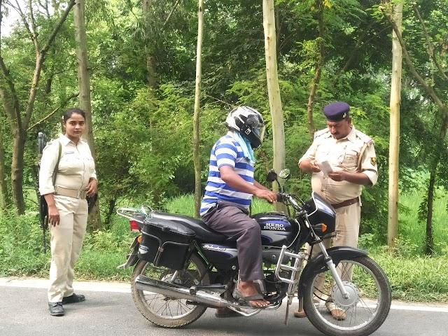 पुलिस ने चलाया सघन वाहन जांच