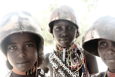 Eliza passou sete meses no continente africano, conhecendo mulheres de diferentes culturas - Divulgação