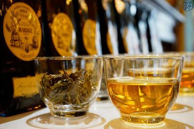 Le Chameau Bleu - Blog Voyage et Gastronomie - Dégustation de thé Darjeeling chez Mariage Frères