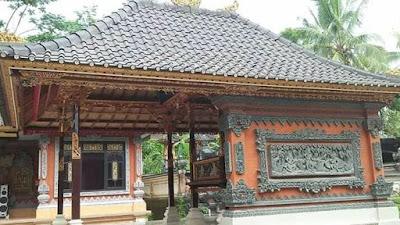 Bale dangin rumah adat Bali