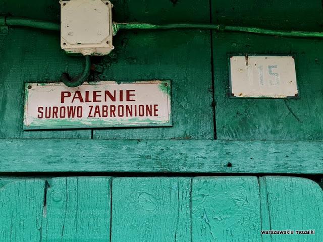 Warszawa Warsaw targowisko Praga północ bazary praskie klimaty stragan drewniana budka Manas Ryba