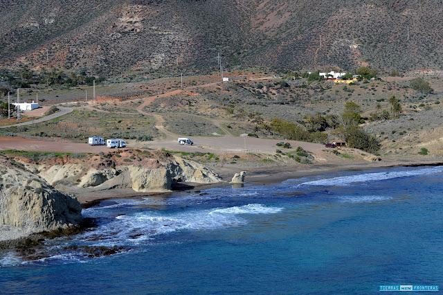 Cala del Peñón Blanco en la Isleta del Moro