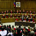 El País: ¿Qué justicia y legitimidad le queda al gobierno de Maduro?