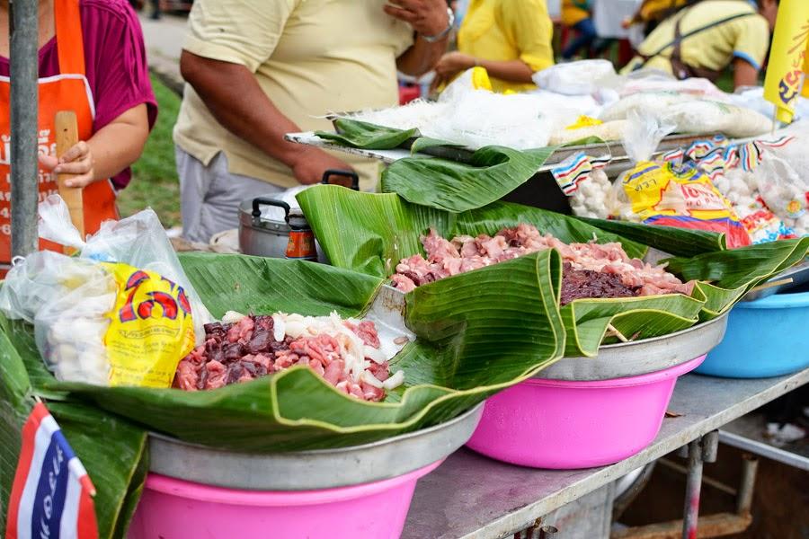 Kuchnia tajska, Garkuchnia w Tajlandii, uliczne żarcie w Tajlandii