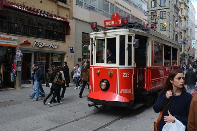 Tram Istiklal Caddesi