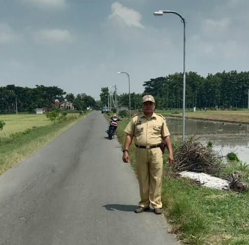 Desa Cabean Manfaatkan DD Untuk Penerangan Jalan