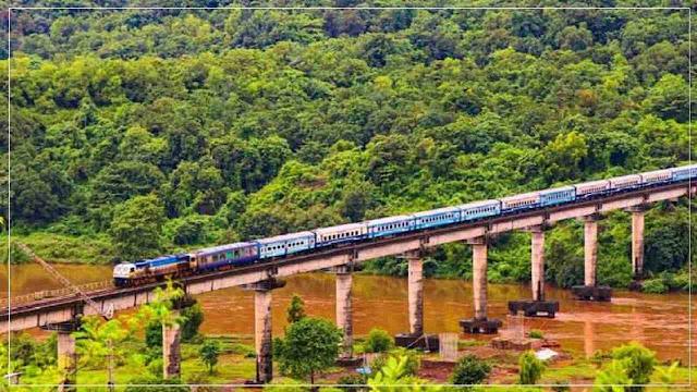 बिहार में बाढ़ के कारण आज भी 12 ट्रेनें हैं कैंसिल, इन ट्रेनों का बदला गया है मार्ग, देखें पूरी लिस्ट