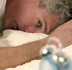 Vì sao người cao tuổi hay mất ngủ?