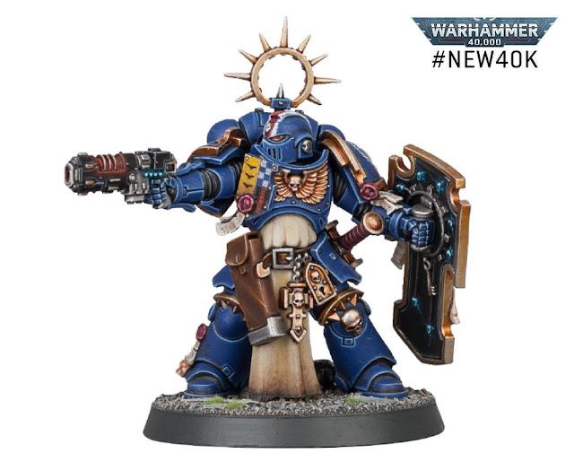 Teniente Primaris con pistola neo-volkite