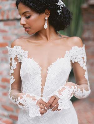brides unique lace gown