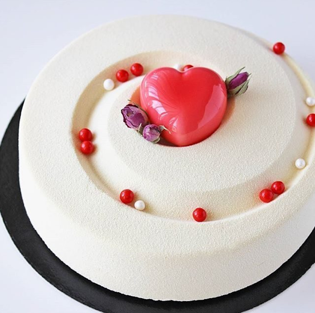 tarta de boda corazon mirror glaze - blog mi boda